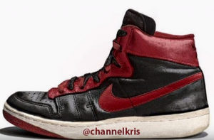 air ships black red 2 not Air jordan 1