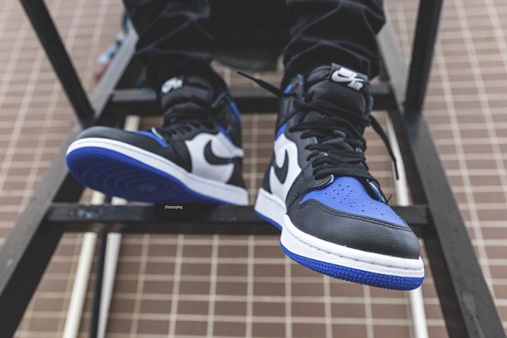 Air Jordan 1 Royal Blue on feet