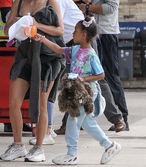 yeezy foam runner north west